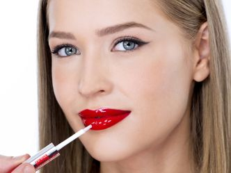 How to apply made to last lip duo